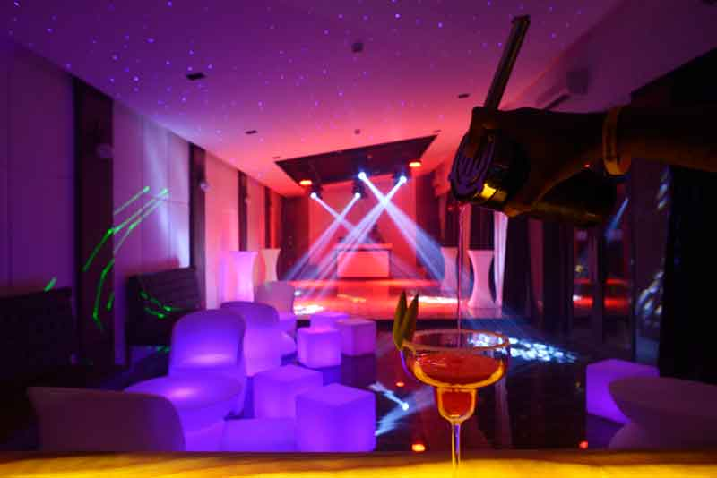 p18-nightclub-lounge
