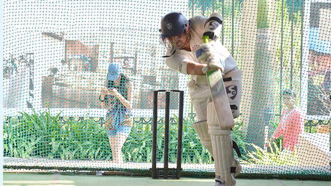 Try your favorate game Hard Ball Net Cricket at Della