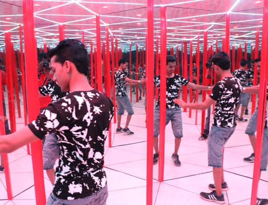 Enjoy Mirror Maze at Della Adventure