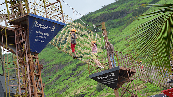 Experience High Rope Challenge Course at Della