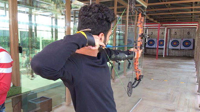Try Archery- Compound Bow with your friends at Della