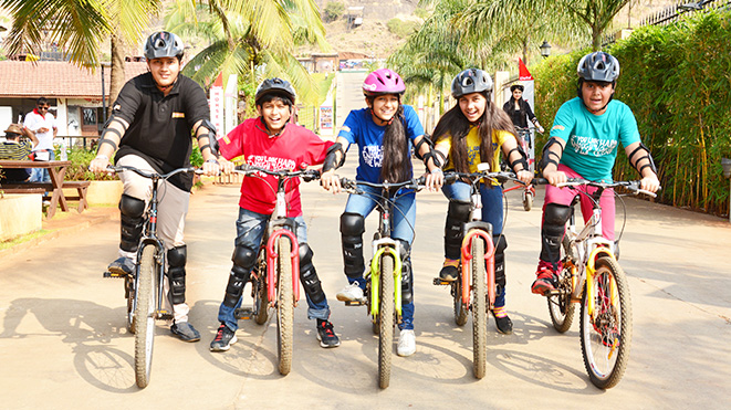 Experience the thrill of riding a mountain cycle at Della