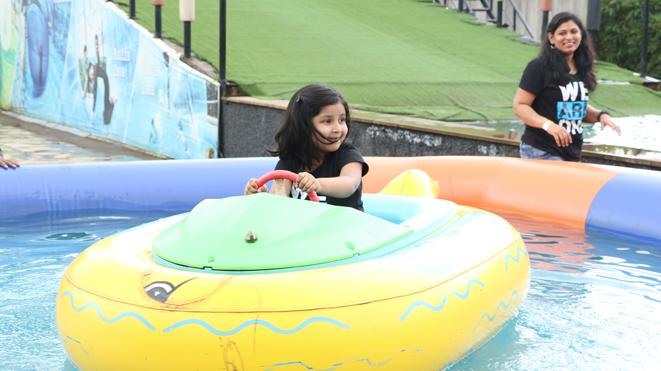 Della offers Bumper Boat for kids