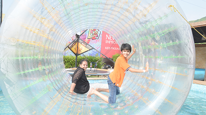 Let your Child enjoy Roller Zorb at Della