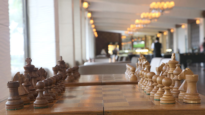 Play Chess with your friends at Della