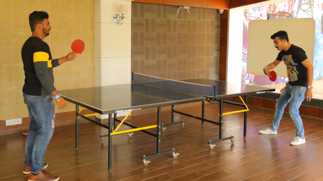 Enjoy Table Tennis with your friends at Della