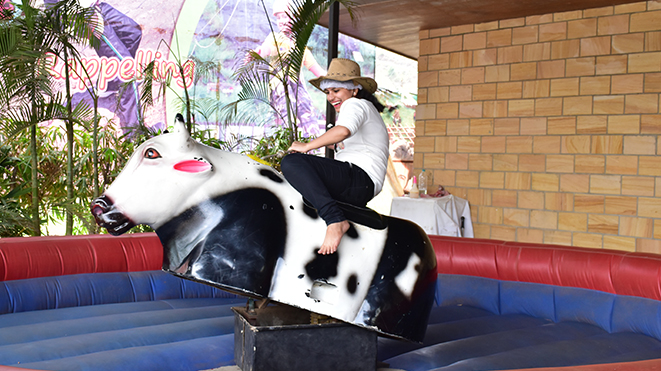 Della Rodeo Bull Ride - experience the sensation of riding a wild animal